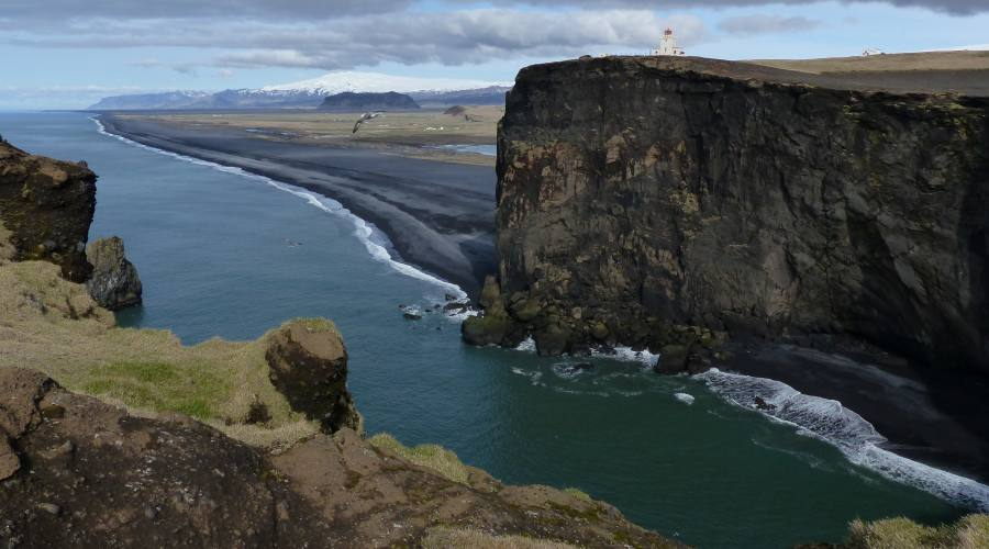 Dyrholaey, scogliera di lava nera in Islanda - Foto di Manuela Aprile