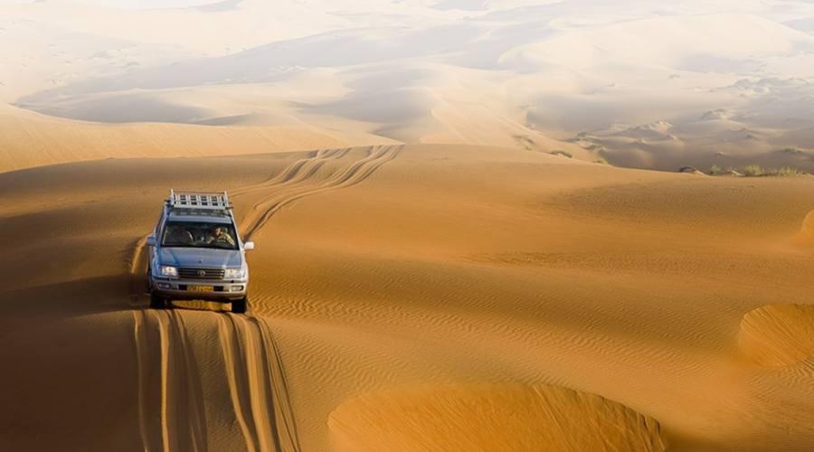 Jeep 4x4 nel deserto di Wahiba Sands