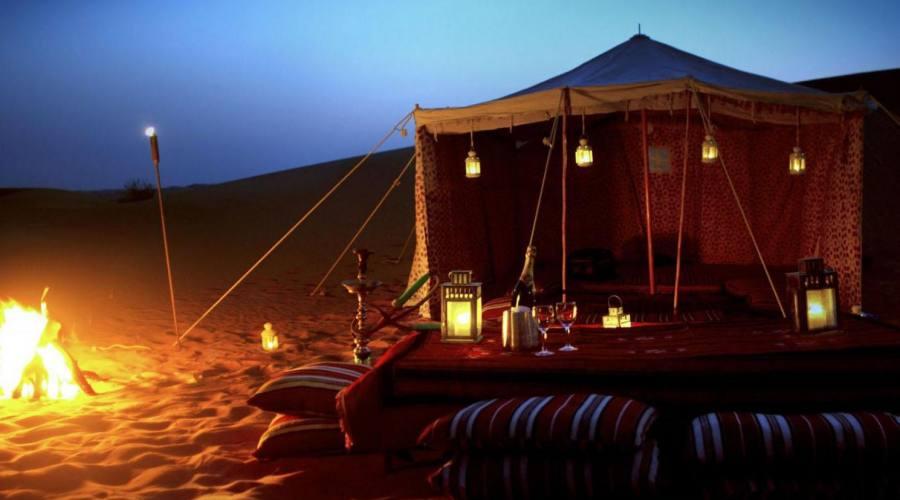 Campo tentato nel deserto