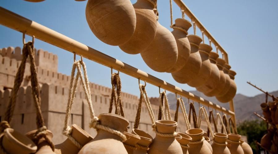 Vasetti tradizionali, souq di Nizwa