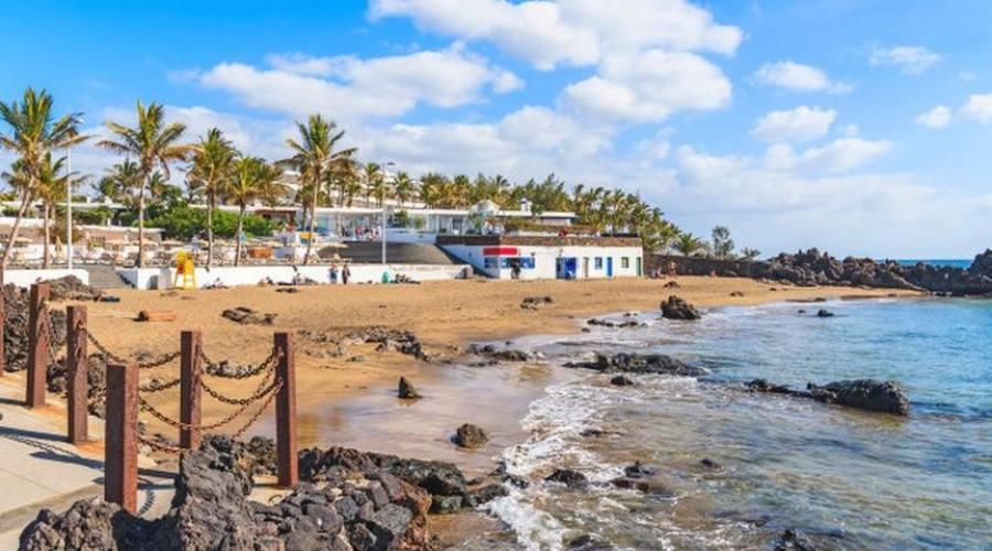 spiaggia di playa chica puerto del carmine