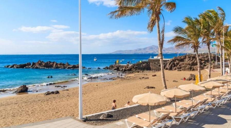 spiaggia playa chica a puerto del carmine
