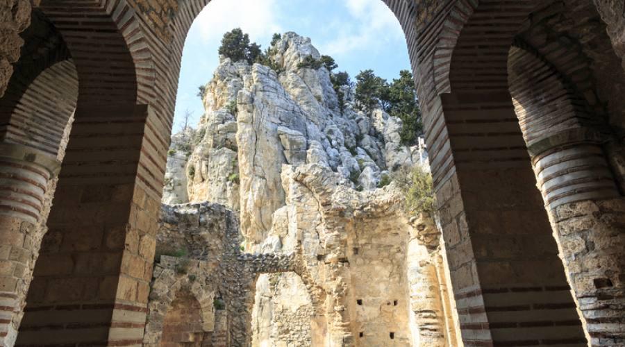 vista dalla loggia del Castello di Sant'Ilarione