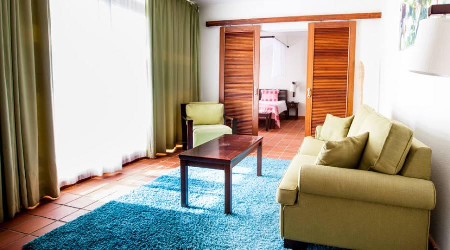 La zona living di una delle Suite