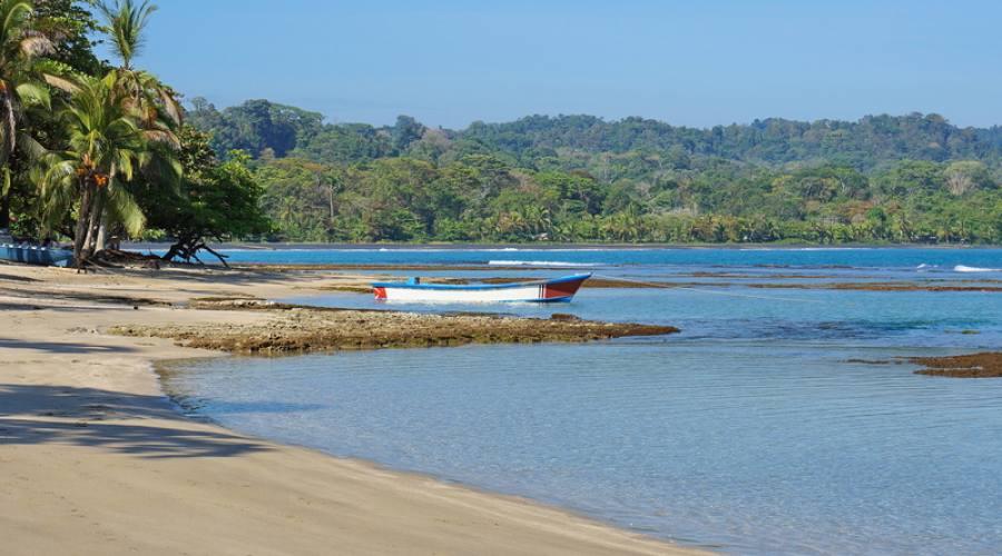 Spiaggia lungo la costa caraibica