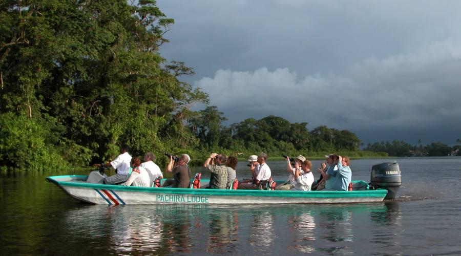 Tra i canali del Parco nazionale Tortuguero