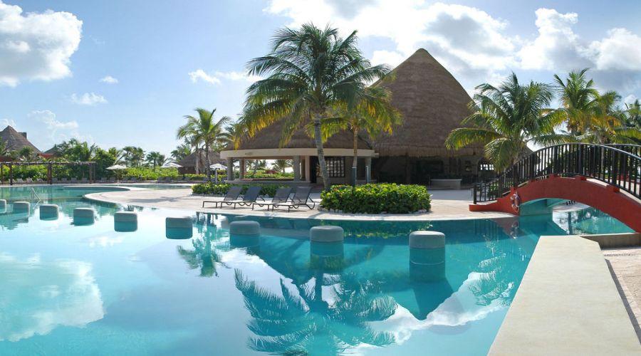 Hotel Catalonia: Bar sulla piscina