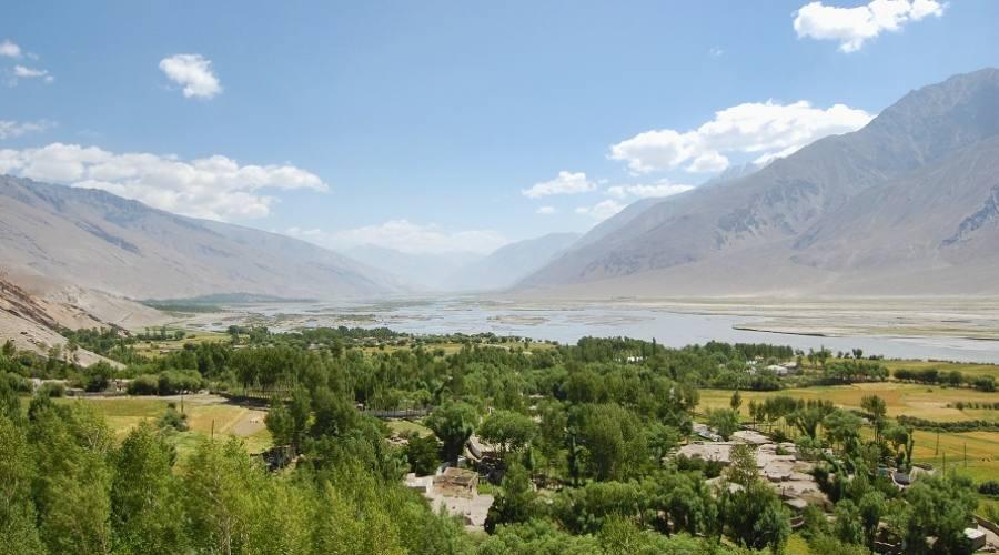 Valle lungo la Pamir Highway