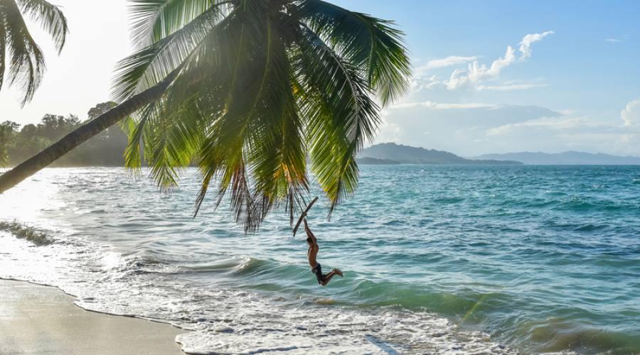 Altalena sul mar dei Caraibi