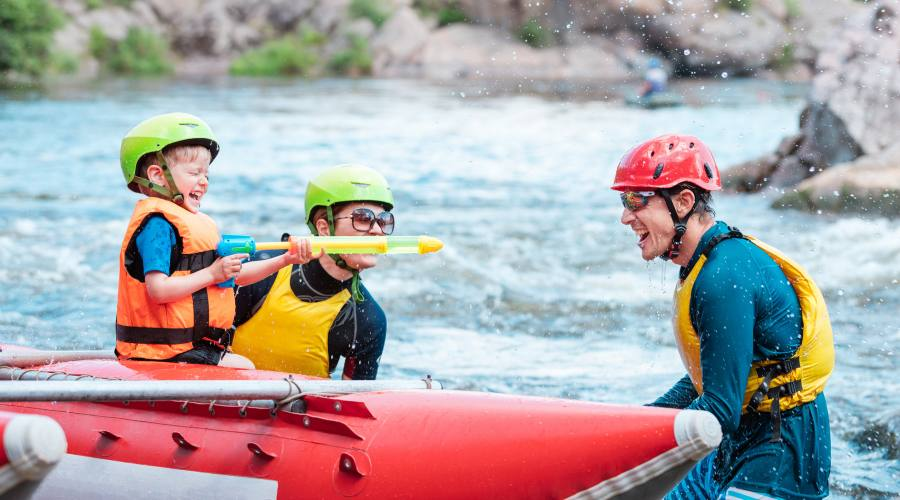 Rafting, una attività adattissima per i bambini!