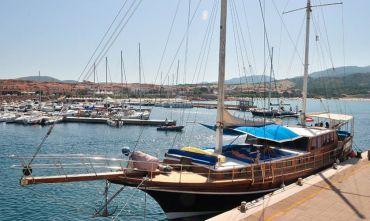 In caicco fra Sardegna e Corsica