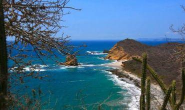 Dalle Ande al Pacifico con guida e trasporti privati.