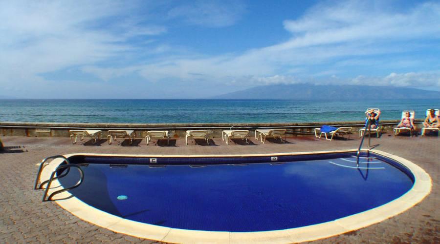 piscina vista oceano