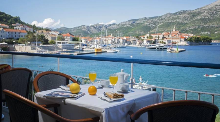 Prima colazione con vista mare