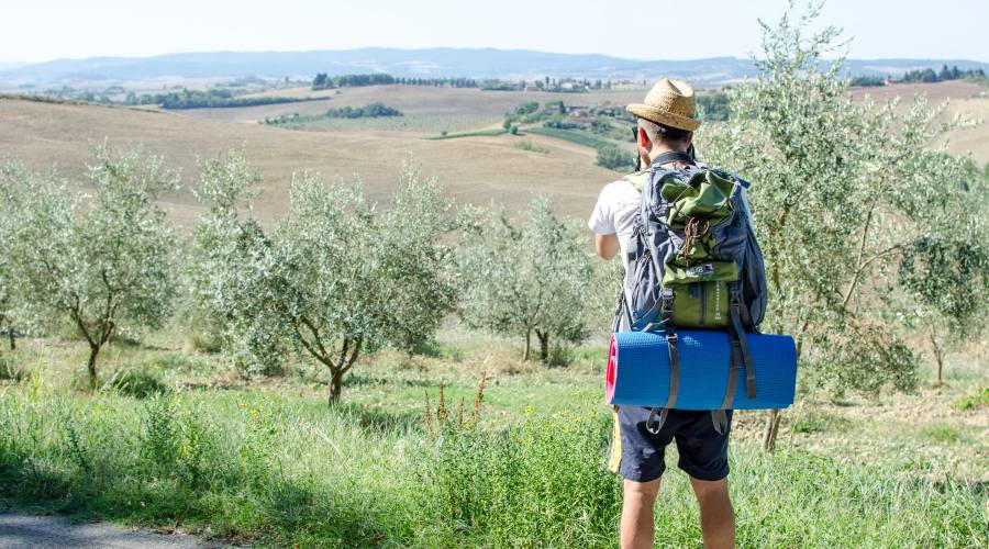 Hiking la Via Francigena