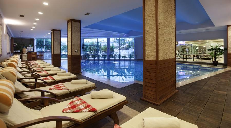 piscina interiore