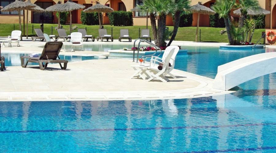 La piscina ...