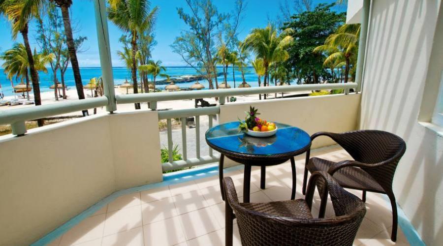 La terrasse des chambres avec vue mer