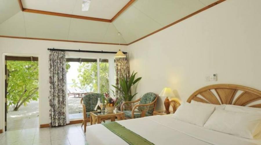 Intérieur chambre standard beach bungalow