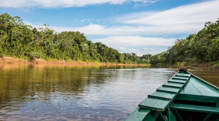 Lungo il fiume Manu