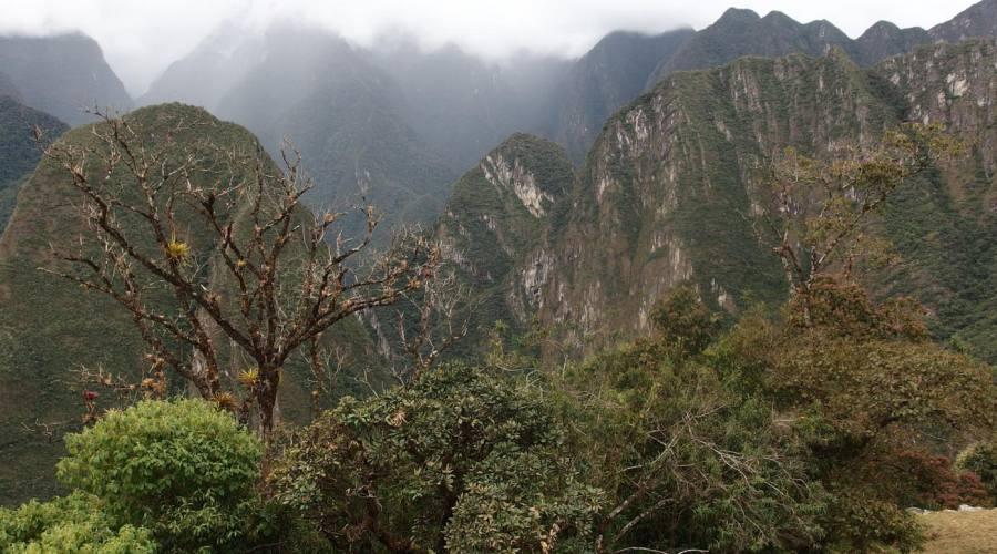 Montagne attorno a Machu Picchu