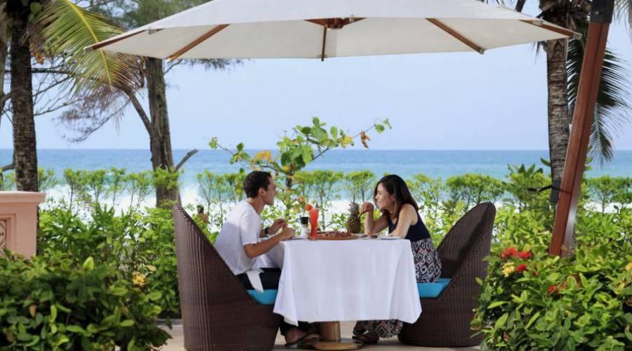 Moments seulement pour vous au 5 étoiles Centara Grand Beach Resort