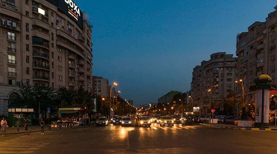 Le strade notturne di Bucarest