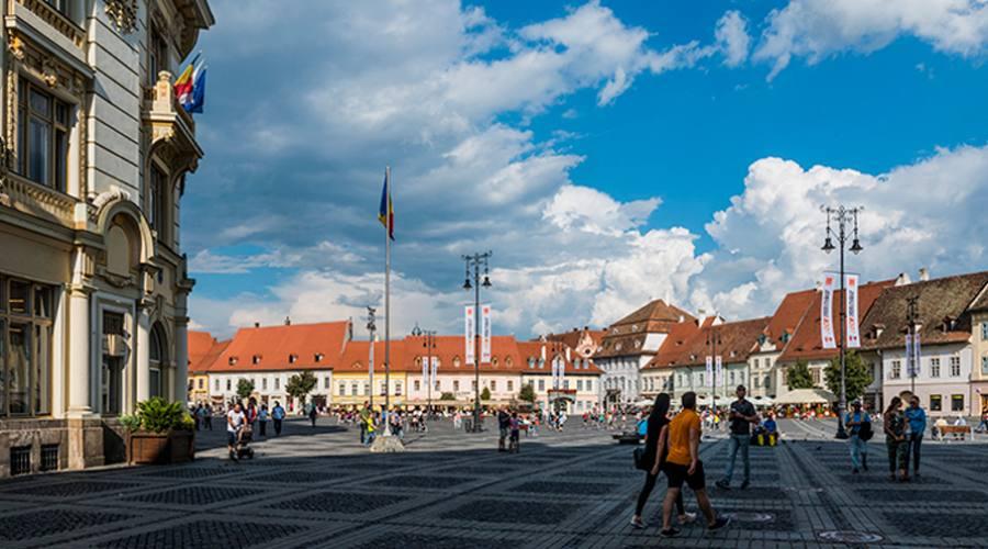 Vista dalla piazza a Sibiu