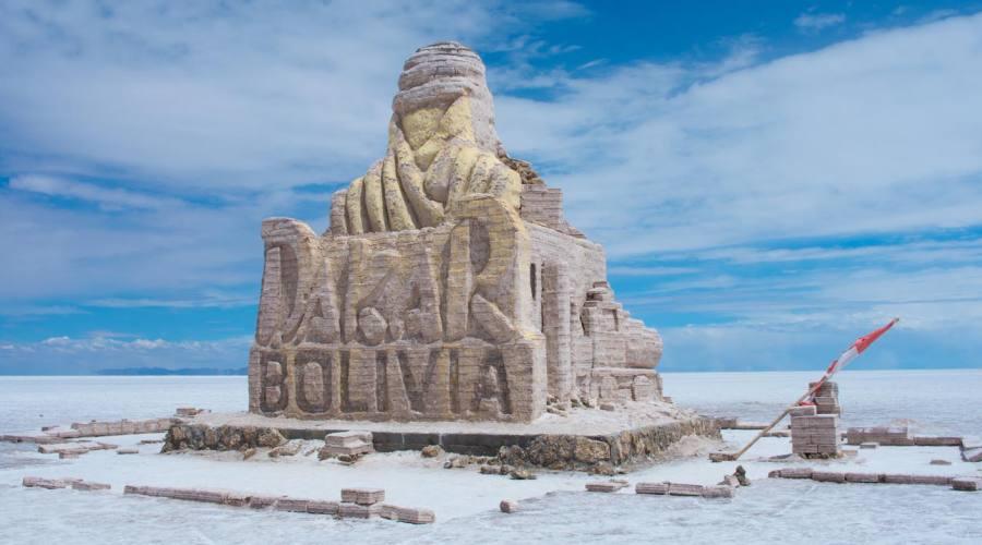 Monumento di sale per celebrare la Dakar