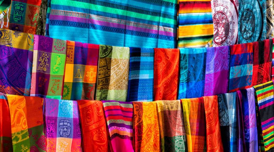 Tessuti al mercato