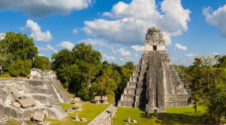 Tikal, piramide del Giaguaro