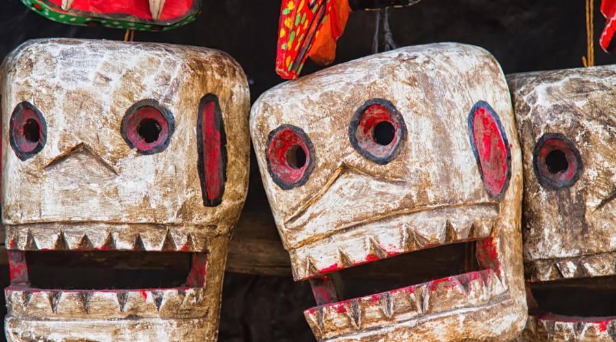 Maschere al mercato di Chichicastenango
