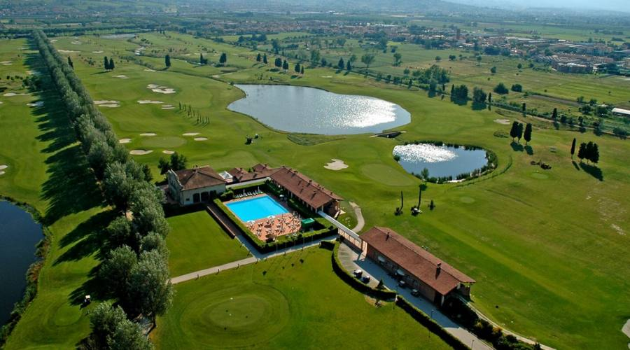 Le Pavoniere golf course