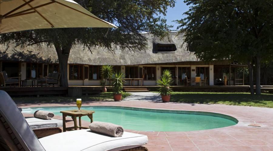 Lodge Leroo La Tau