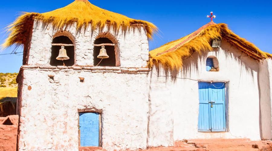 Chiesetta coloniale nel deserto di Atacama