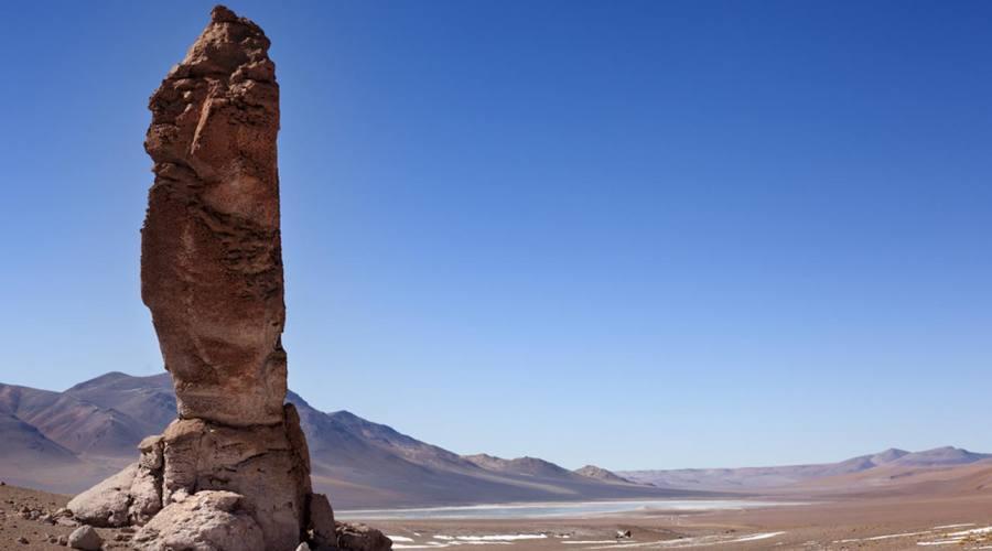 Monolito nel deserto di Atacama