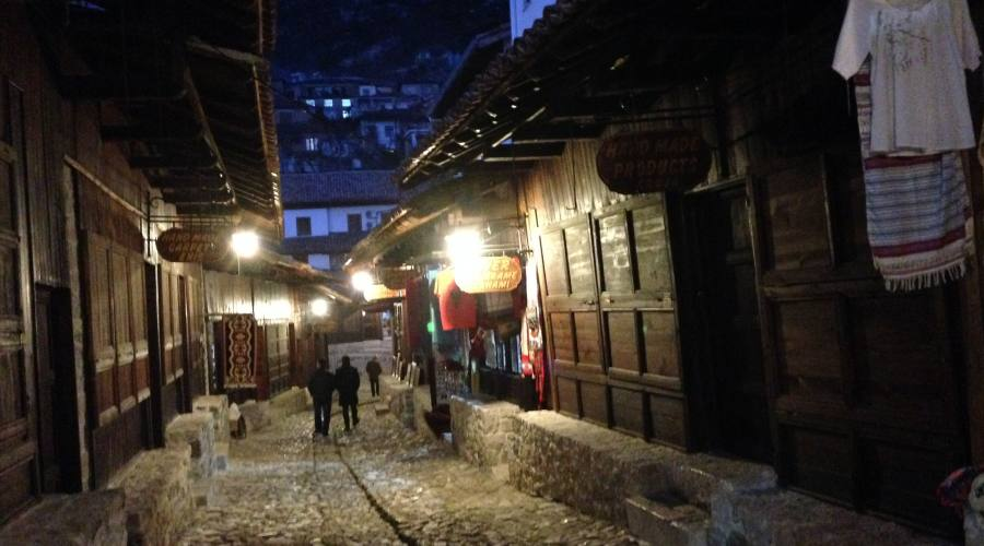 Bazar in  notturna