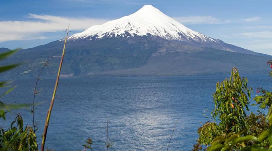 Vulcano Osorno e il lago Llanquihue