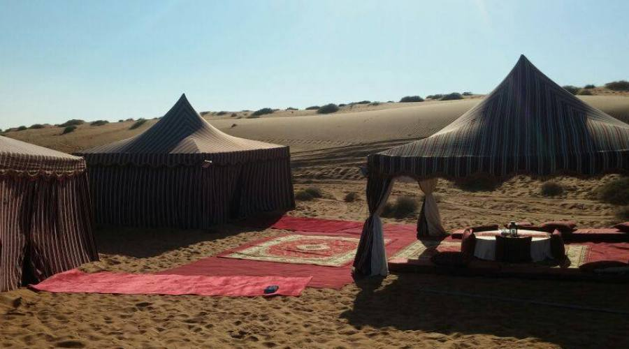 Luxury tend nella baia di Khaluf