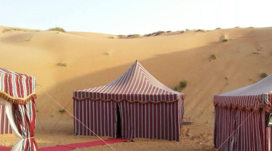 Il campo tentato nel deserto di Khaluf