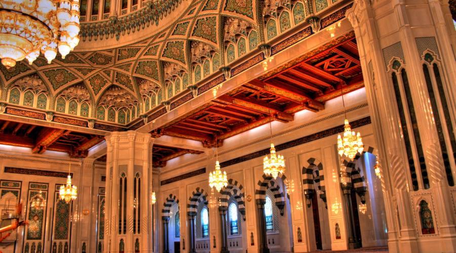 Sultanato dell'Oman, Grande moschea a Muscat