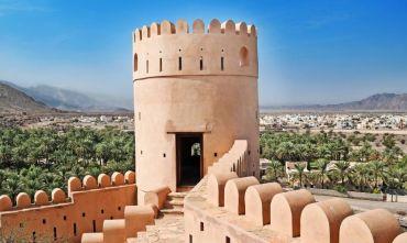 Deserto, Wadi e Fiordi in tour da Muscat al Musandam attraverso il deserto