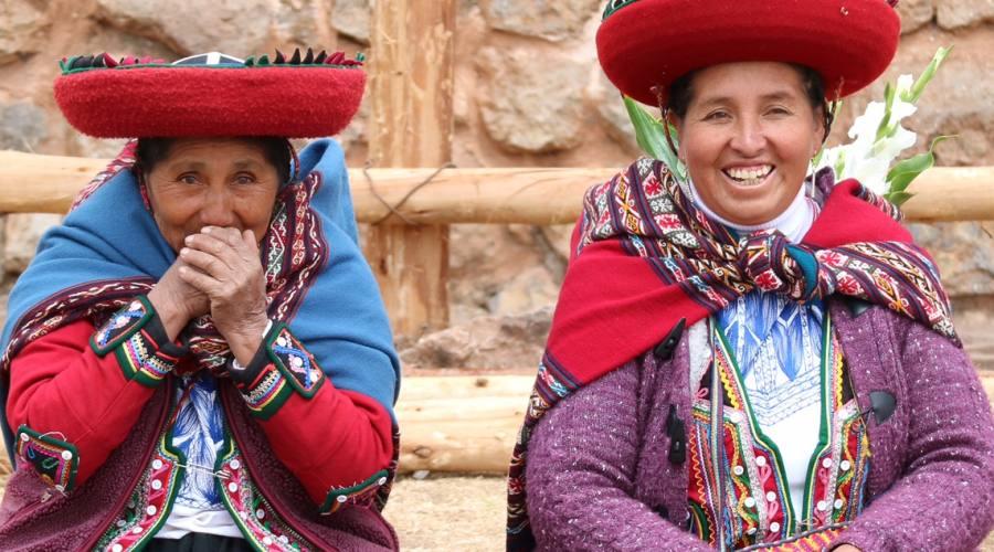 Due donne nella Valle Sacra