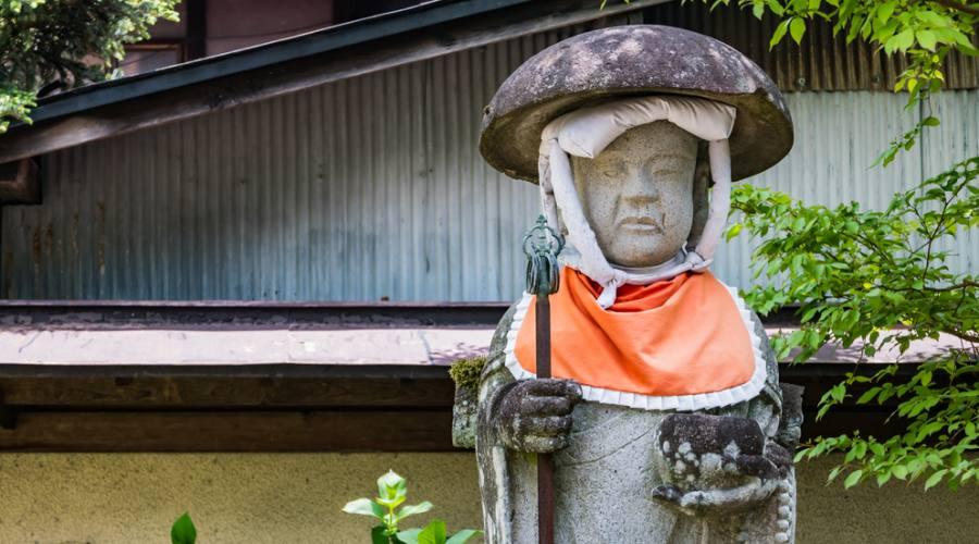 Statua izo al Tempio Hida Kokubunji aTakayama