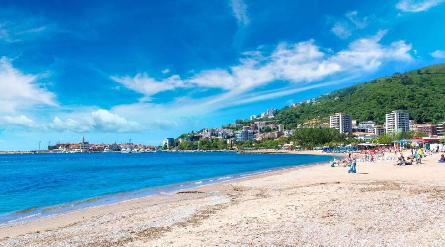 La spiaggia di Budva