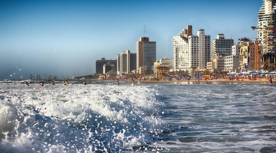 Tel Aviv la spiaggia