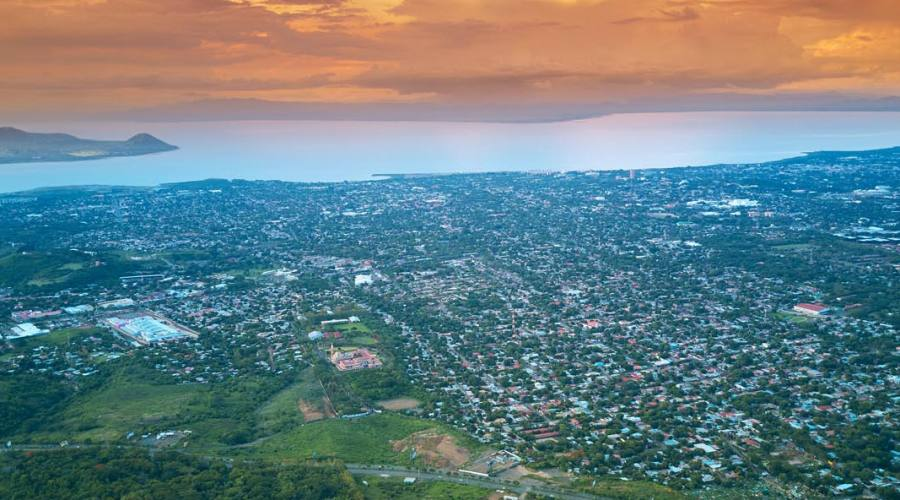 Managua al tramonto