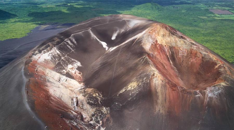 Il Vulcano Cerro Negro dall'alto