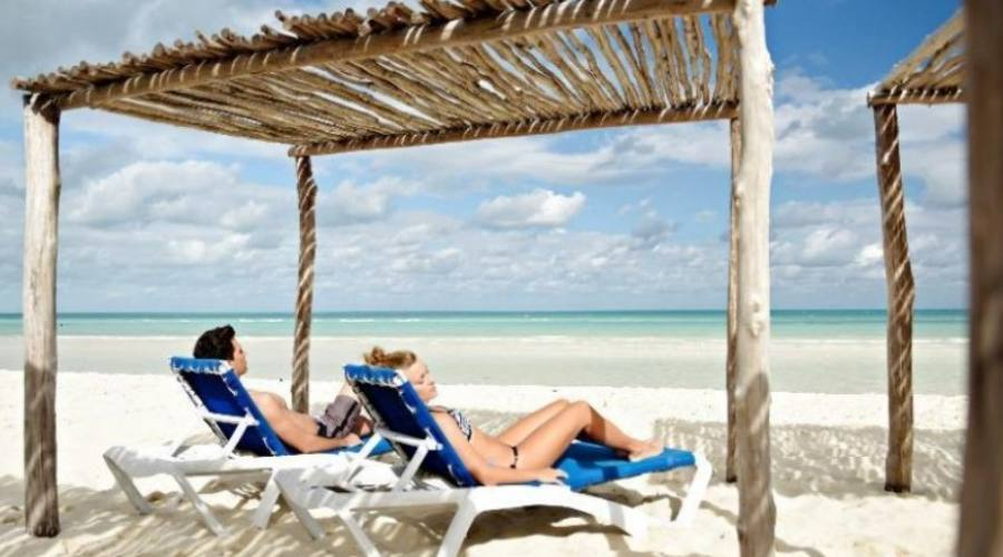 Relax in spiaggia a Cayo Coco
