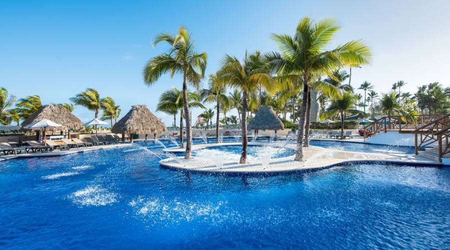 Piscina Occidental Caribe Punta Cana